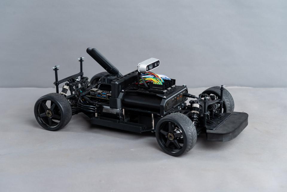 Autonome Fahrzeuge für Forschung und Entwicklung